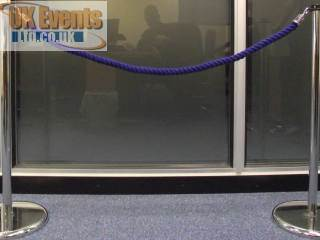 blue ropes and posts(Stanchion)